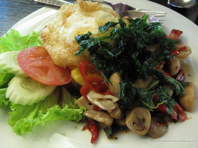 Saladaeng Cafe (Bangkok)